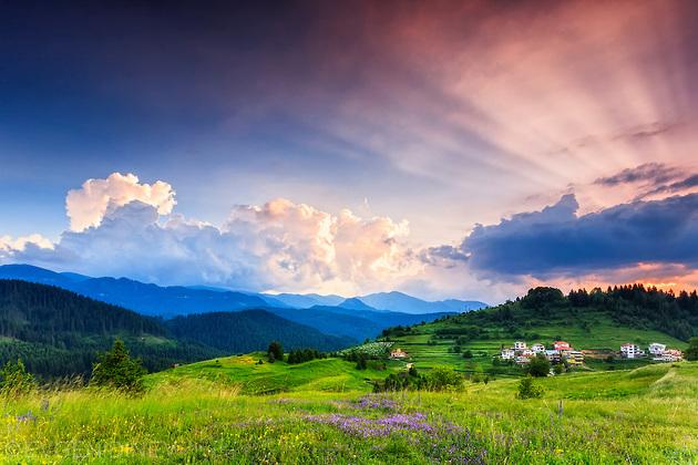 Насладете се на нежна планинска утрин в прегръдката на Родопите!
